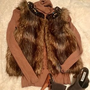 Good used condition Express brown faux fur vest-SM